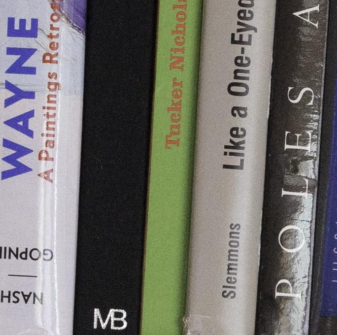 bookcase a7r 1600 cr