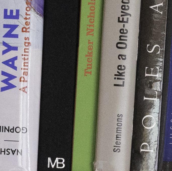 bookcase a7r 3200 cr